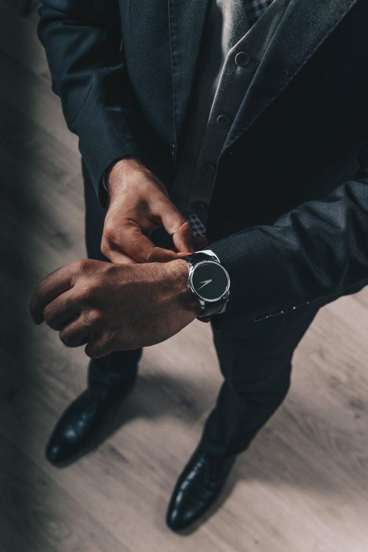 mens-suit-watch_4460x4460