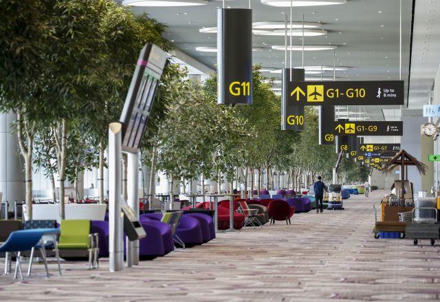 singapore-waiting-area-trees-terminal-4-2017