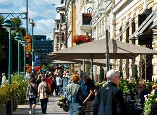 27__320x240_helsinki-finland-city-clock-4